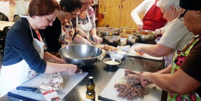 Une cuisine collective dans st sacrement quartier saint for Trouver une cuisine
